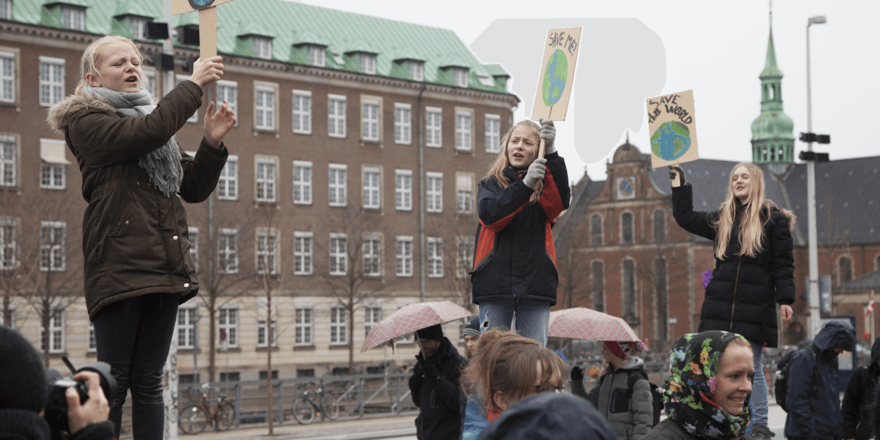 De unges engagement i klimaet bør bruges i skolen