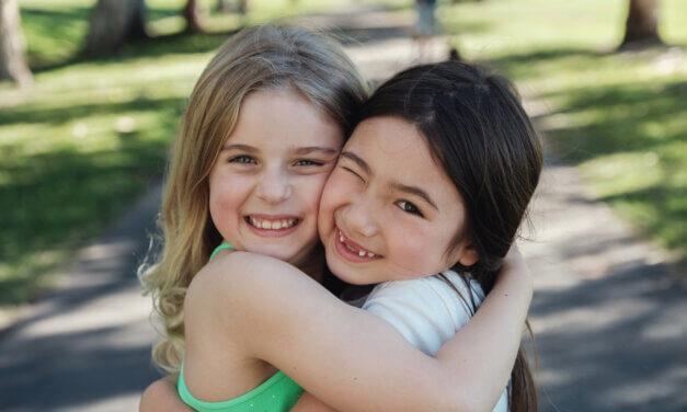 Sådan hjælper du dit barn til gode venskaber